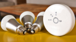 Philips Hue Personal Wireless Lighting Starter Kit (3 x A19 E27 LED Light Bulbs, 1 Bridge)